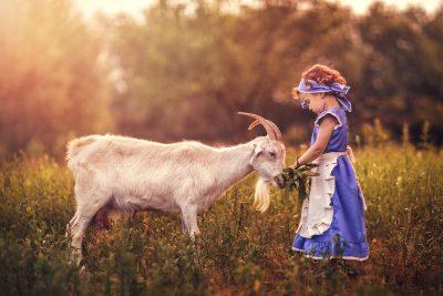 Daniela Muntean Dan Foto Comercial DM Studio foto fine art rural fetita natura sat